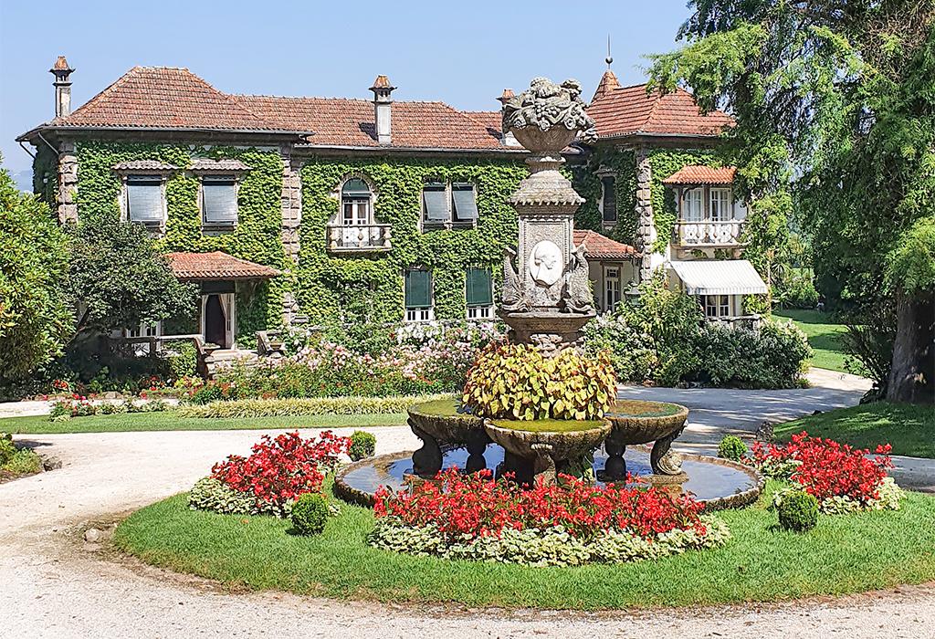 Conheça a Quinta da Aveleda, na região de vinhos verdes em Portugal