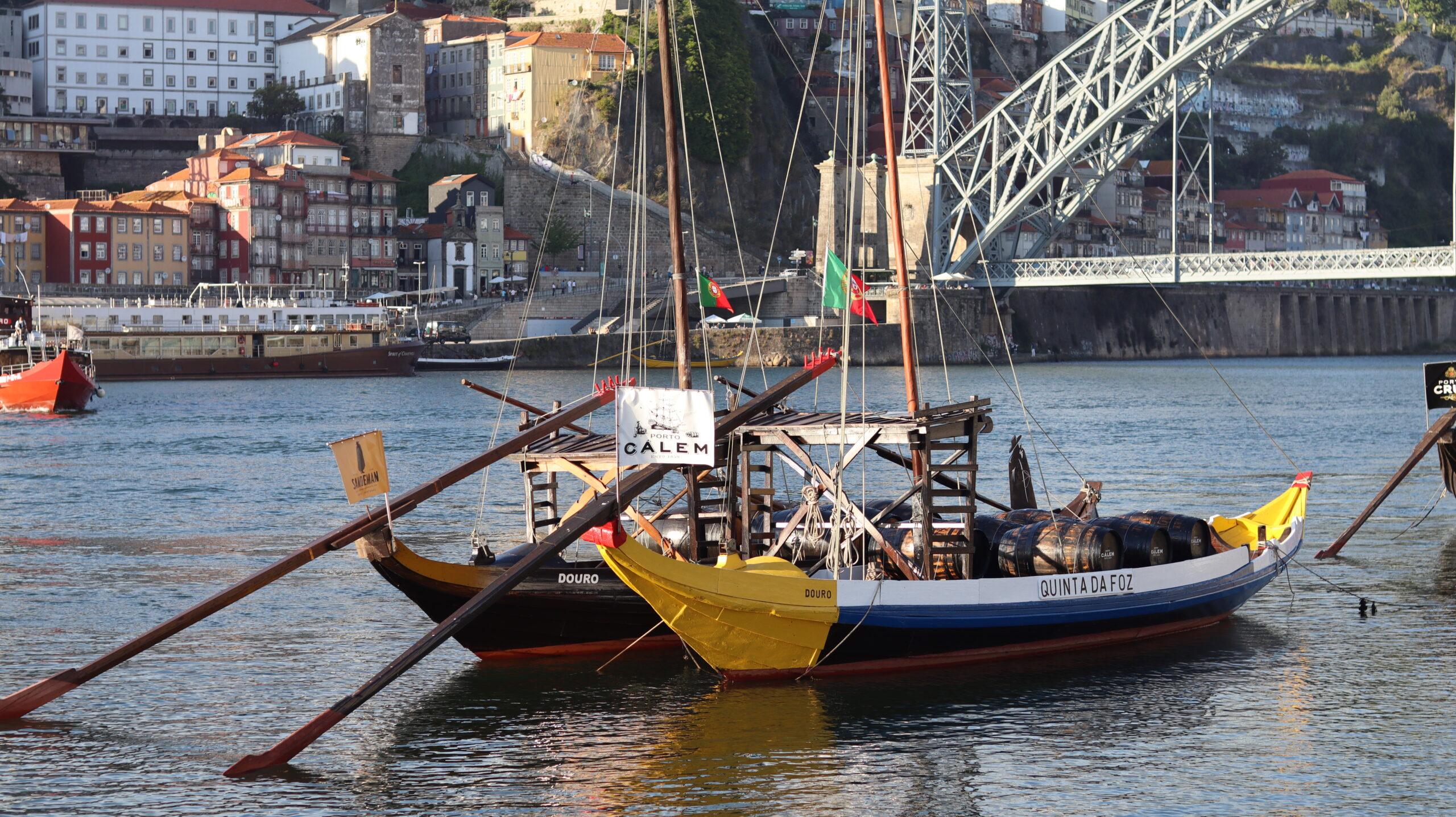 Como conhecer uma cave de Vinho do Porto? Turismo em Portugal em torno do grande vinho português